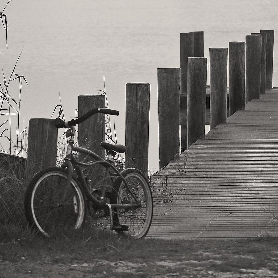Old Bike Photograph - Beach Cruiser by Robert Meanor