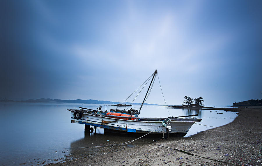 beach fishing boat by Martin Bennie