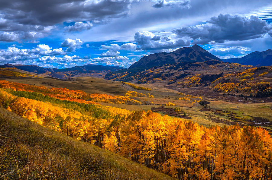 Rocky Mtns Photograph - Beautiful Butte by David Ross