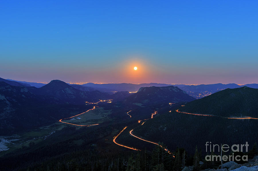 Colorado Photograph - Beautiful Moon Rise At Rocky Mountain National Park by Chon Kit Leong