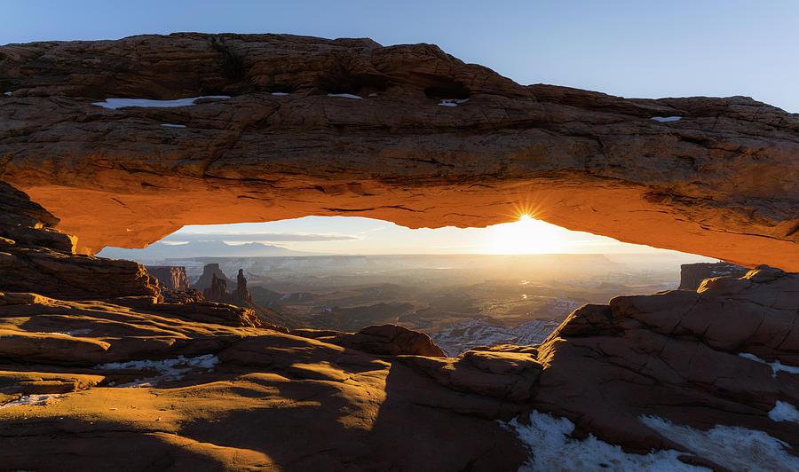 Beautiful sunrise at Mesa arch, Canyonlands national park. by Asif Islam