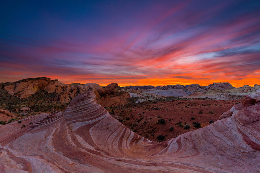 Beautiful wave at the valley of fire state park by Asif Islam