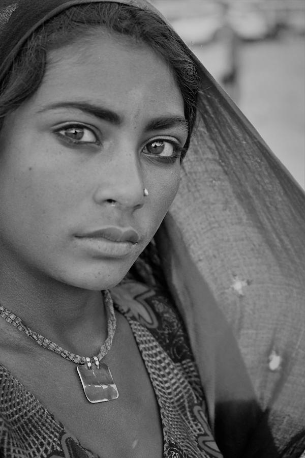 Portrait Photograph - Beautiful Young Nomad Girl by Karan Anand