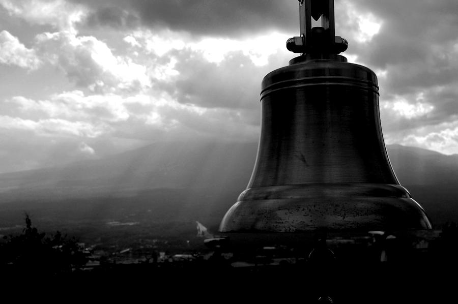 Bell Photograph - Bell by Publio Furbino