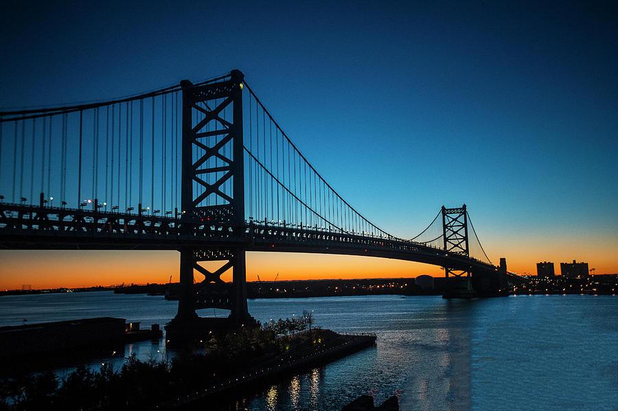 Bridge Photograph - Ben Franklin Bridge In Philadelphia At Dawn by William Bitman