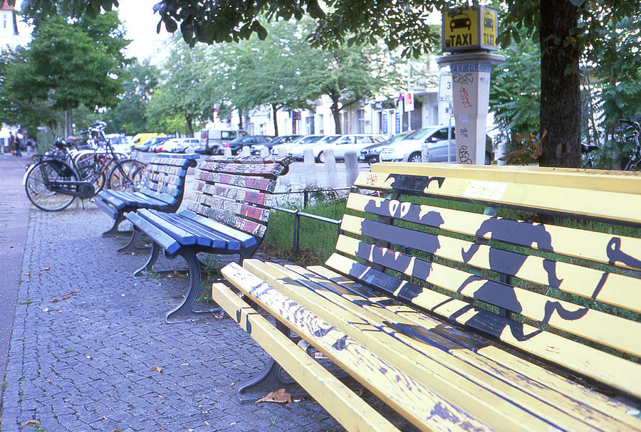 Bench graffiti by Nacho Vega