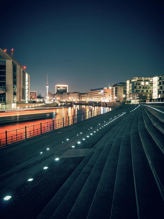 Berlin Photograph - Berlin - Reichstagufer by Alexander Voss