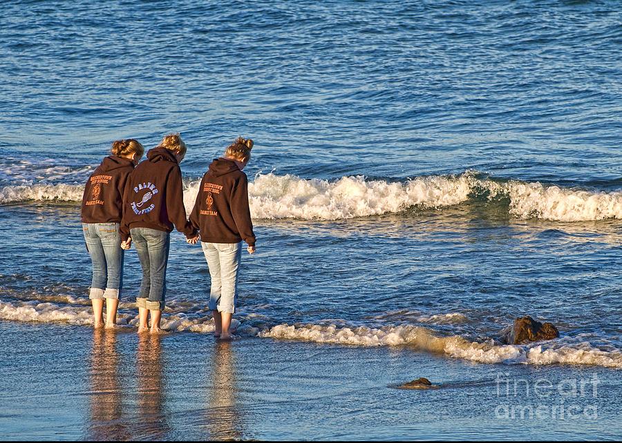 Beach Greeting Card - Best Friends by Edward Sobuta