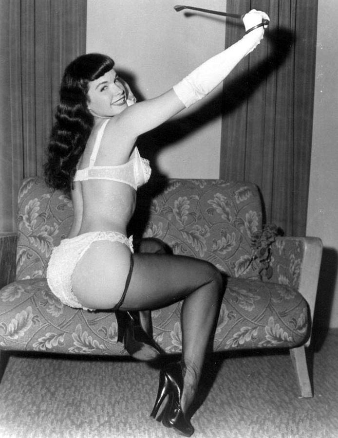 Does bettie page pin up