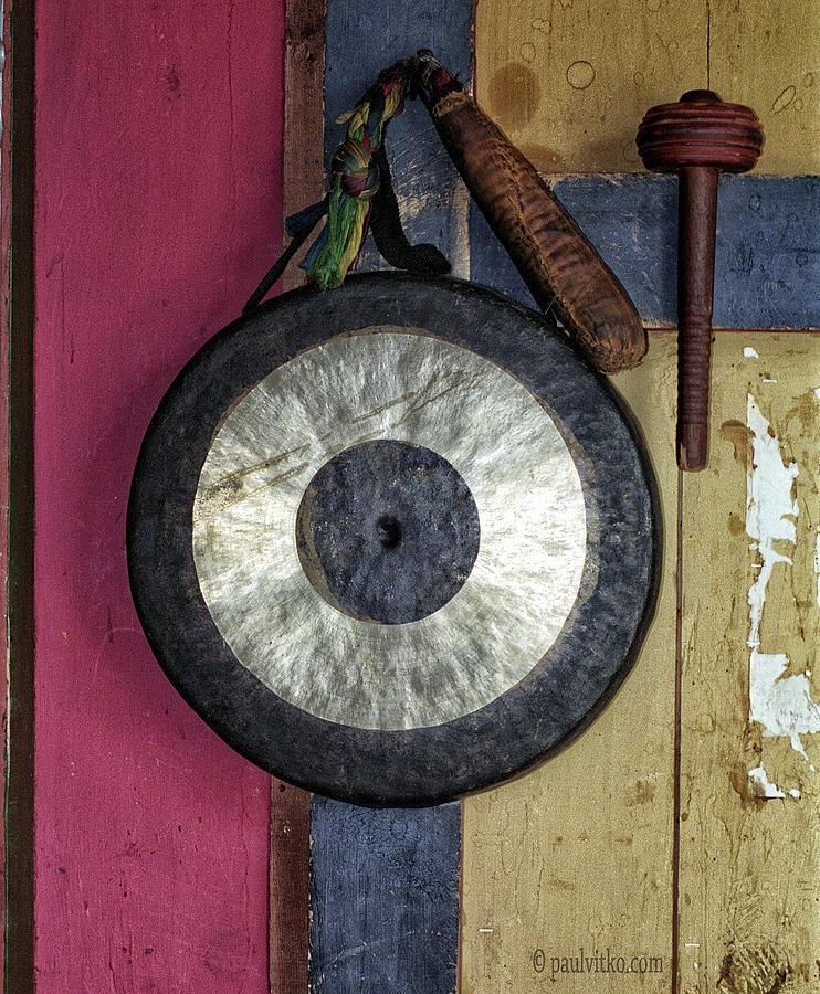 Bhutan gong by Paul Vitko
