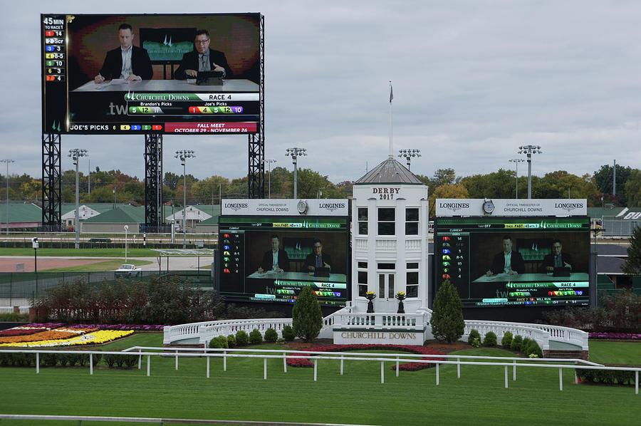 Big Screen At Churchill Downs