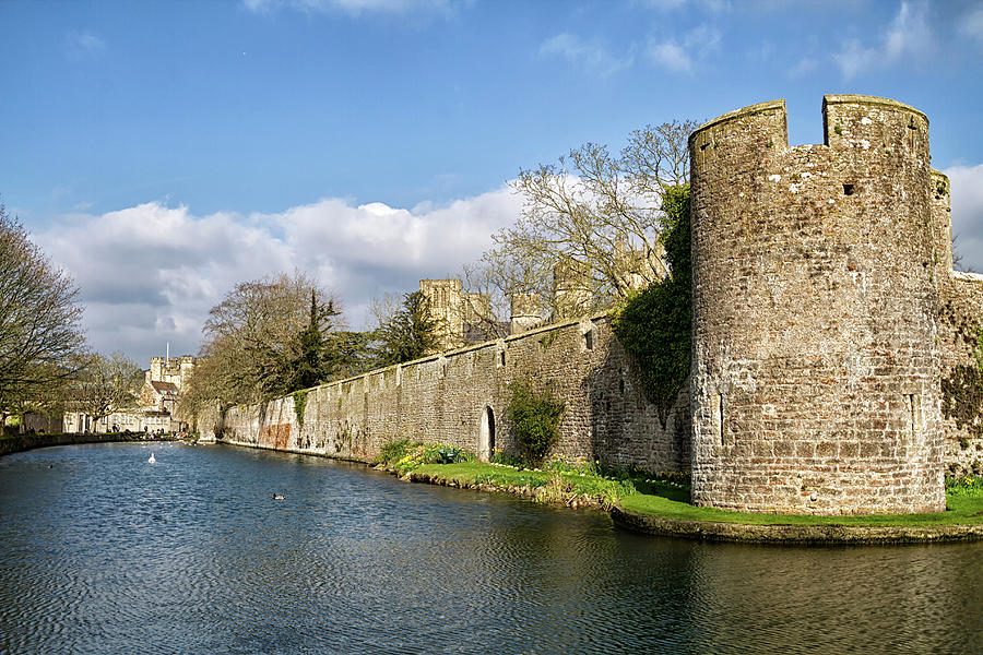 bishops-palace-at-wells-cathedral-shirley-mitchell.jpg