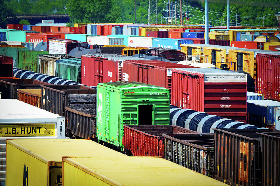 BNSF Lindenwood Yard by Matthew Chapman