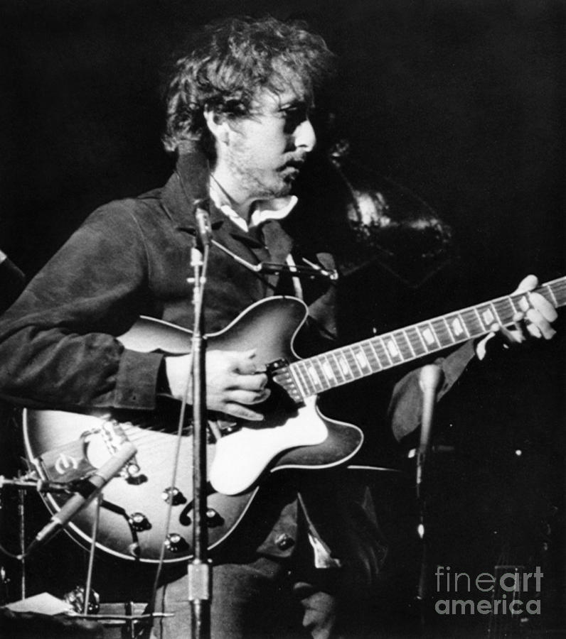 1974 Photograph - Bob Dylan (1941- ) by Granger