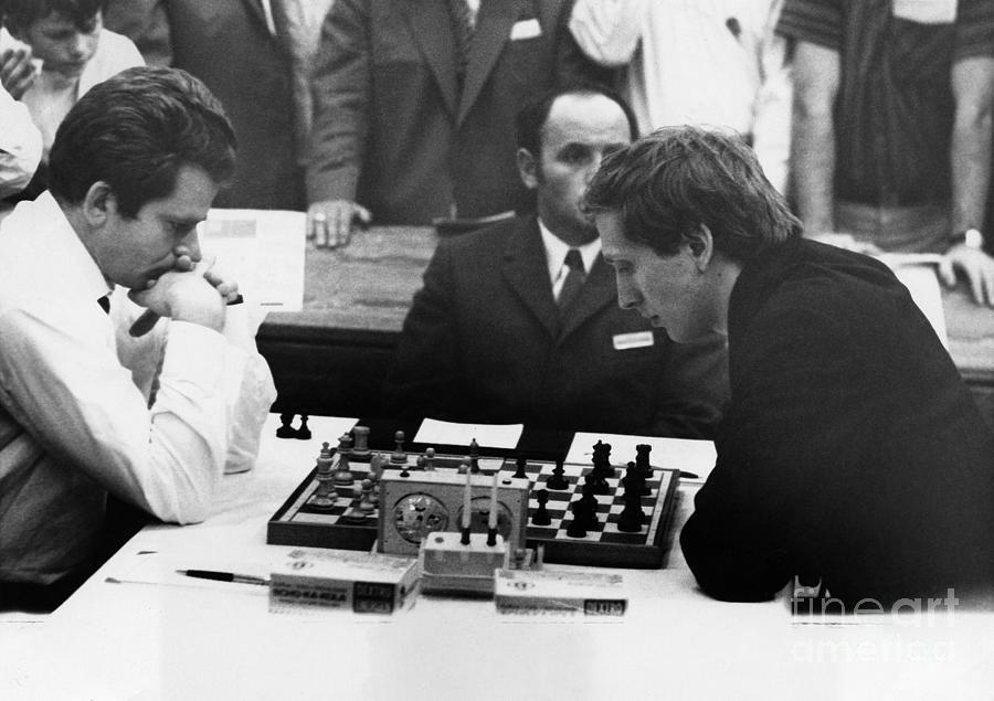 1970 Photograph - Bobby Fischer (1943-2008) by Granger