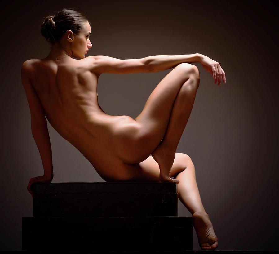 Shy wife posing nude class