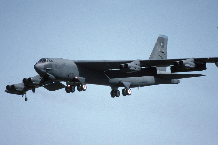 Airplane Photograph - Boeing B-52g Stratofortress 58-0258 93rd Bomb Wing Castle Afb September 17 1992 by Brian Lockett