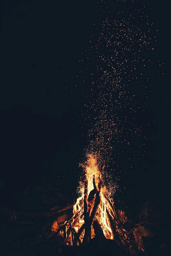Peak District National Park Photograph - Bonfire by Toa Heftiba