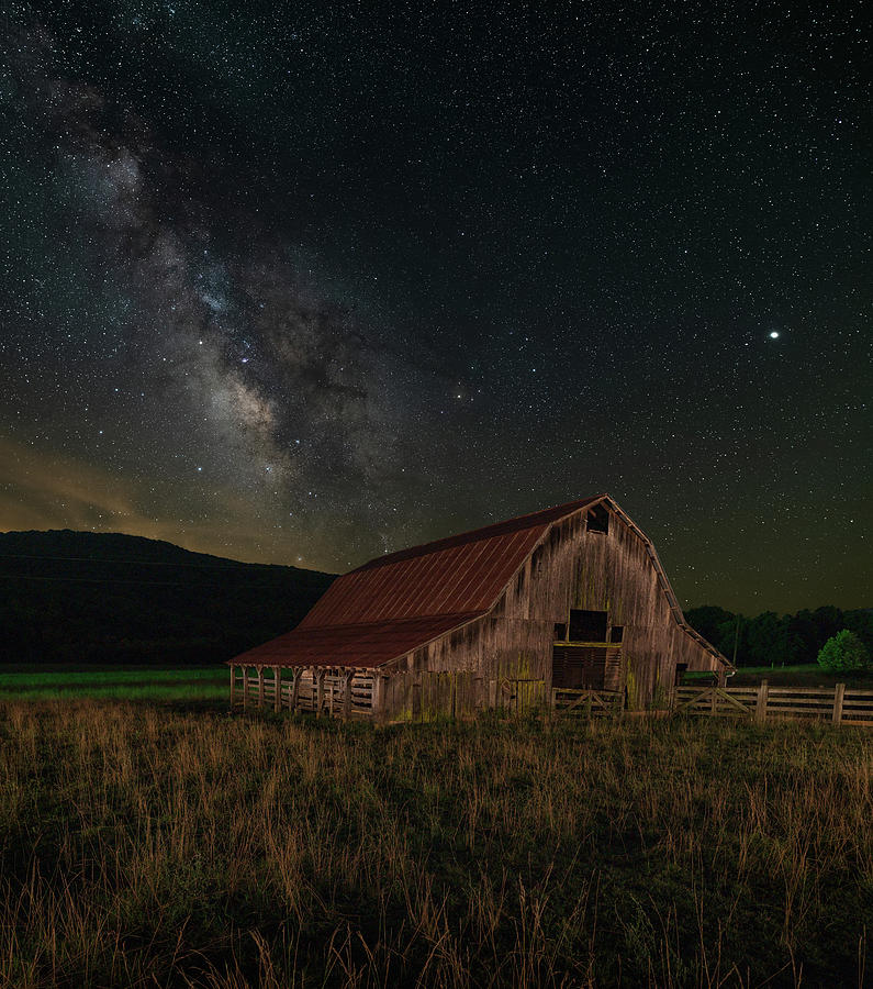 Boxley Valley Barn on the 4th by Hal Mitzenmacher