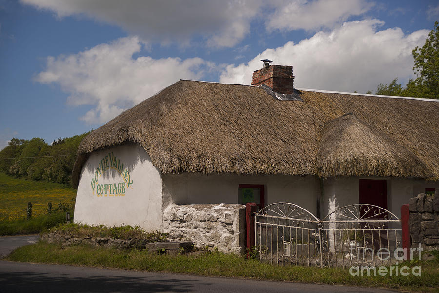 Cottage Photograph - Boyne Valley Cottage by Philippe Boite