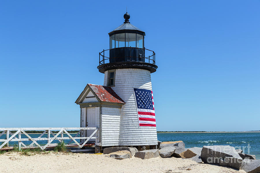 America Photograph - Brant Point Lighthouse I by Clarence Holmes