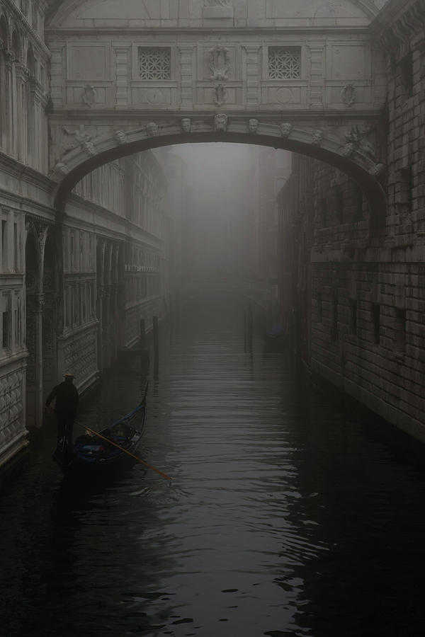 Bridge Of Sighs Photograph - Bridge Of Sighs, Venice, Italy by David Stanley