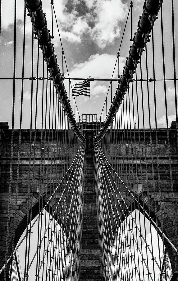 Brooklyn Bridge Park Photograph - Brooklyn Bridge Bw by Joseph Yarbrough