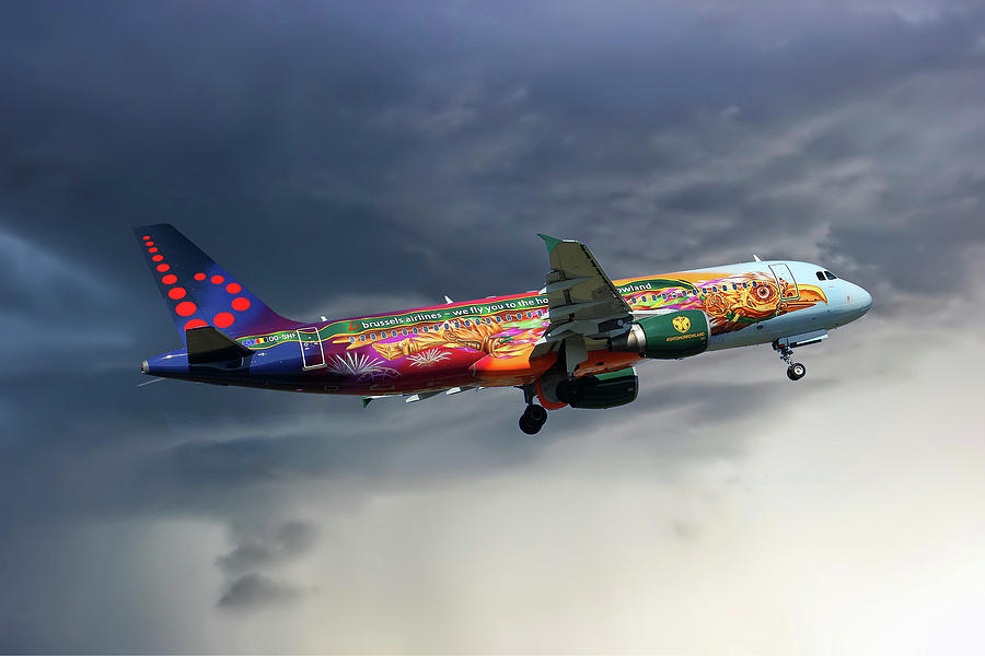 Brussels Airlines Photograph - Brussels Airlines Airbus A320-214 by Smart Aviation