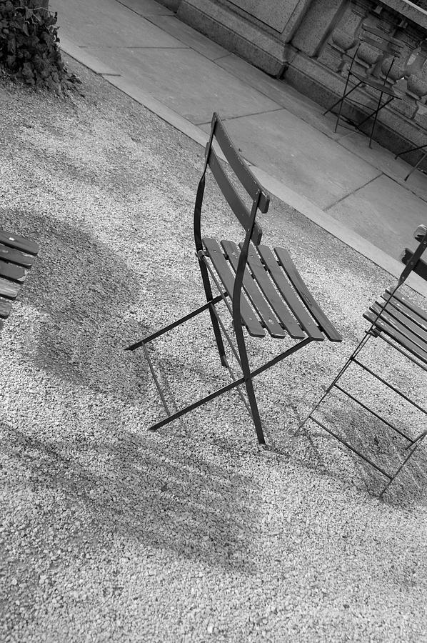 Bryant Photograph - Bryant Park Nyc by Henri Irizarri
