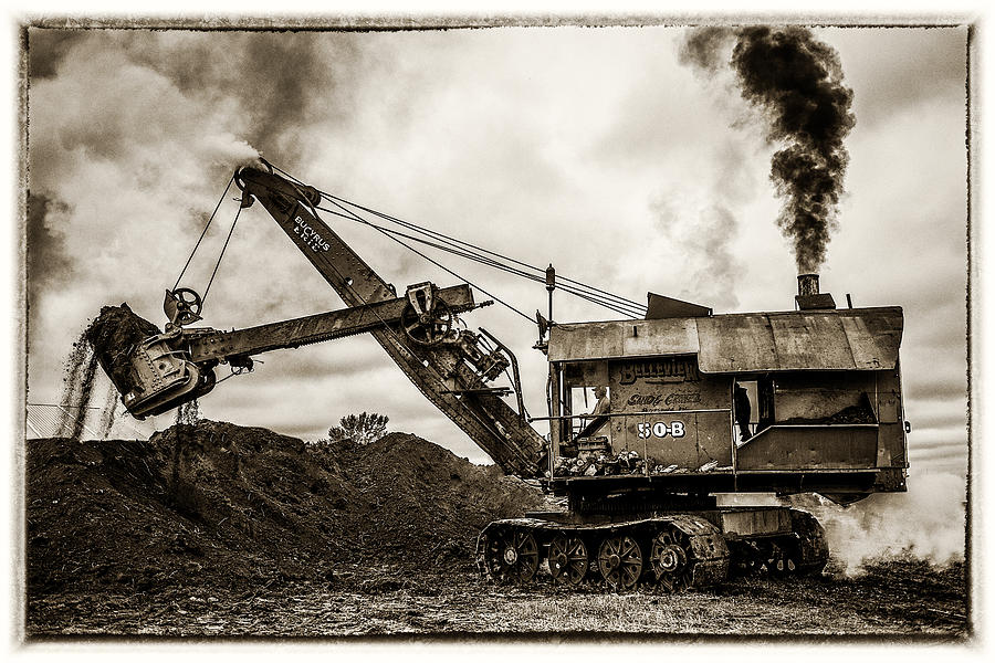Mary Sue Photograph - Bucyrus Erie Shovel by Paul Freidlund