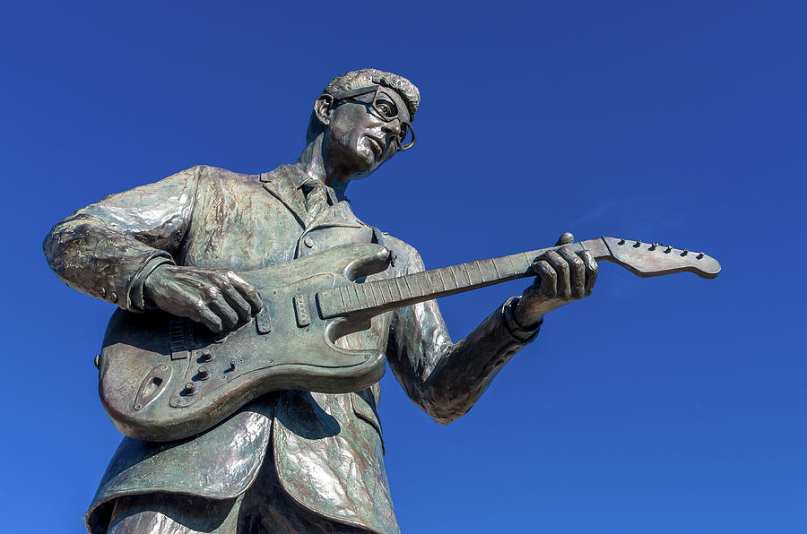 Buddy Holly Statue by Adam Reinhart
