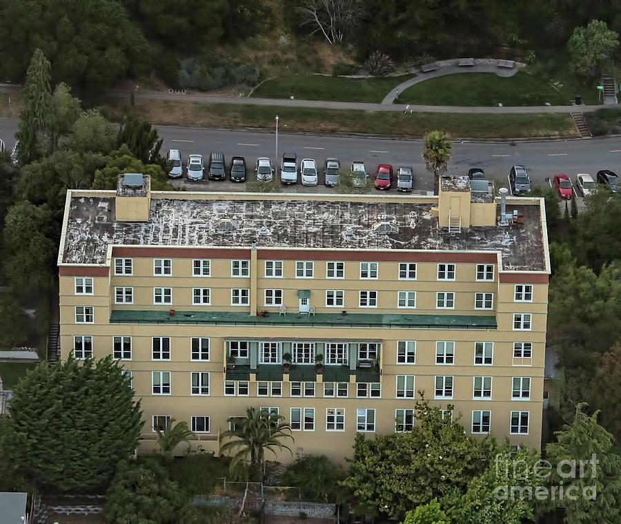 Aerial Photograph - Buena Vista Manor House In San Francisco by David Oppenheimer