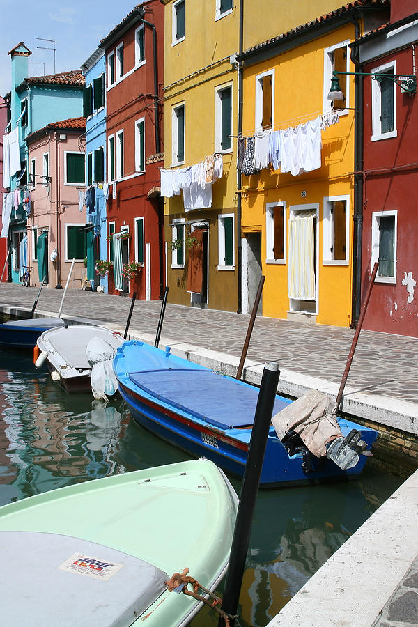 Burano Photograph - Burano Corner With Laundry by Donna Corless