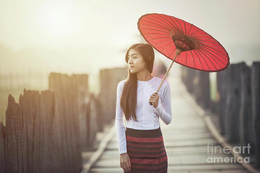 burmese girl
