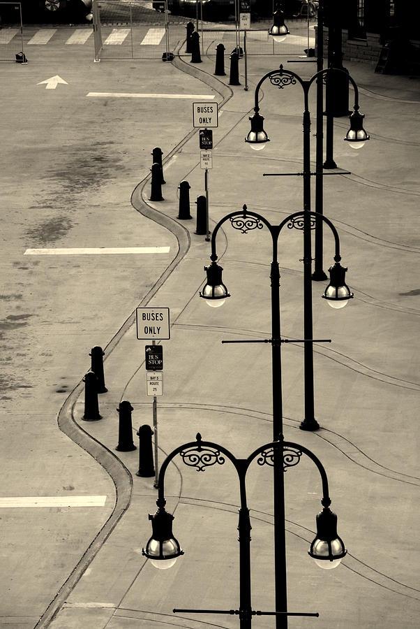 Bus Stop Photograph - Bus Stop In Nashville Tn by Susanne Van Hulst