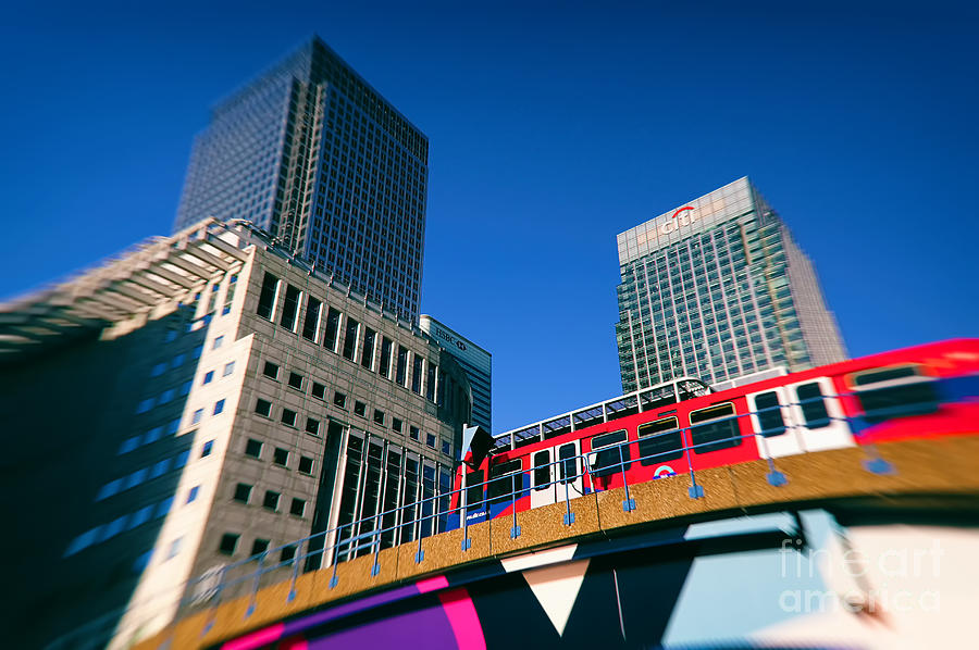 Canary Wharf Commute by Jasna Buncic