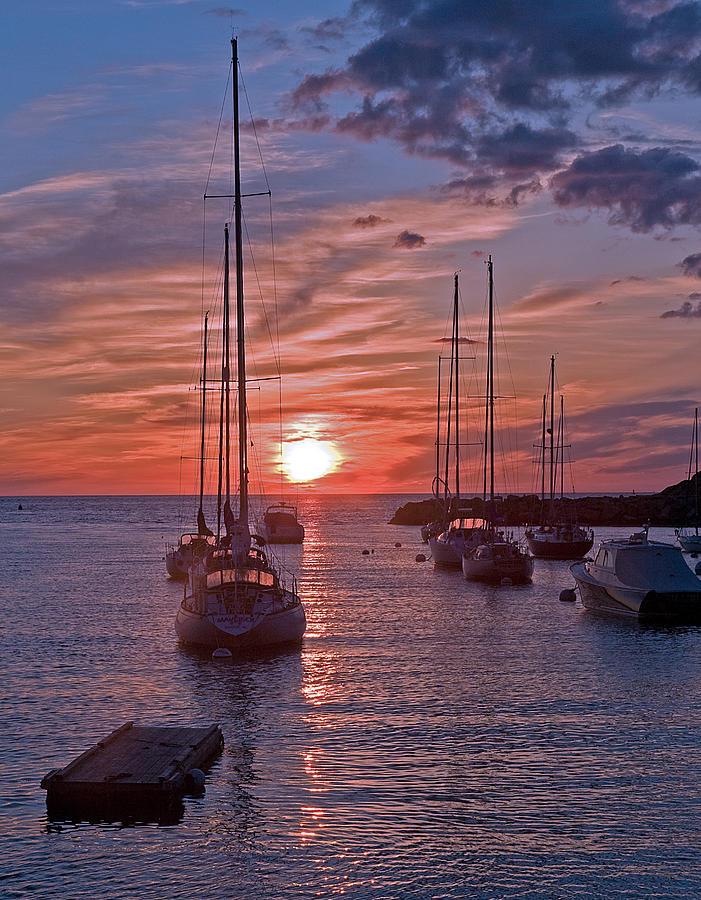 Sunrise Photograph - Cape Ann Sunrise by Robert Pilkington