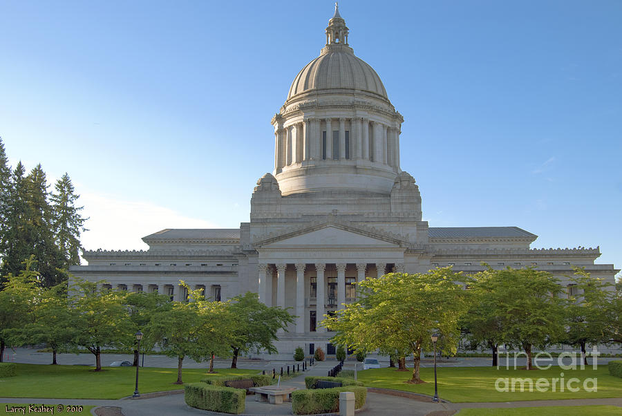 Washington Photograph - Capitol Building - East Side by Larry Keahey