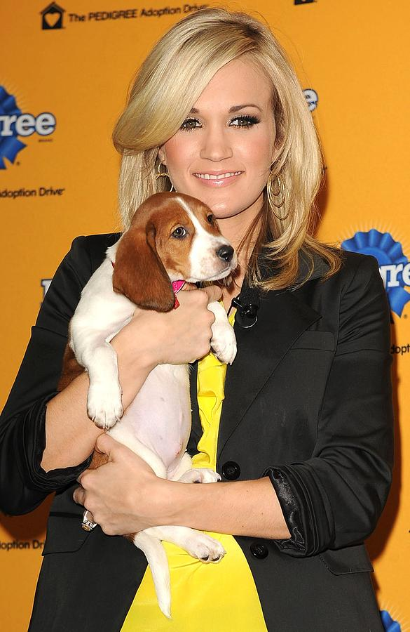 Carrie Underwood Photograph - Carrie Underwood At A Public Appearance by Everett