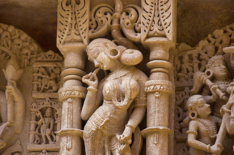 Carved Idols On The Inner Wall And Pillars Of Rani Ki Vav, An Intricately  Constructed Stepwell On The Banks Of Saraswati River  Patan, Gujarat, India