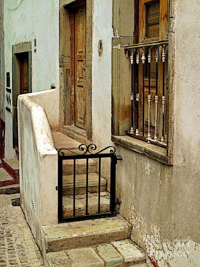 Darian Day Photograph - Casa De Crema by Mexicolors Art Photography