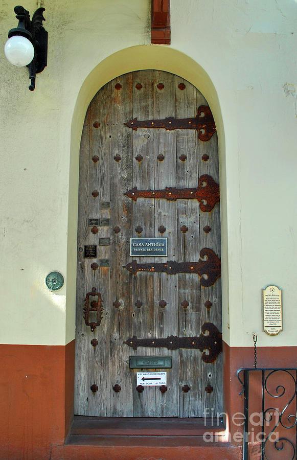 Casa Hemingway by Jost Houk