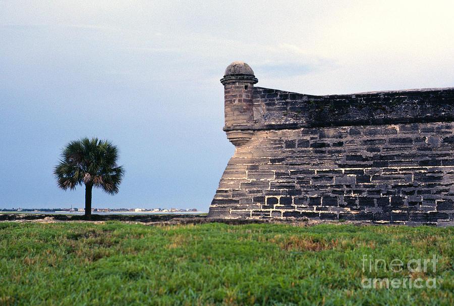 Castillo De San Marcos Photograph - Castillo De San Marcos 2 by Thomas R Fletcher