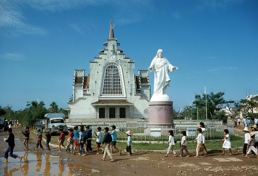 Catholic Church And School Children, Hue