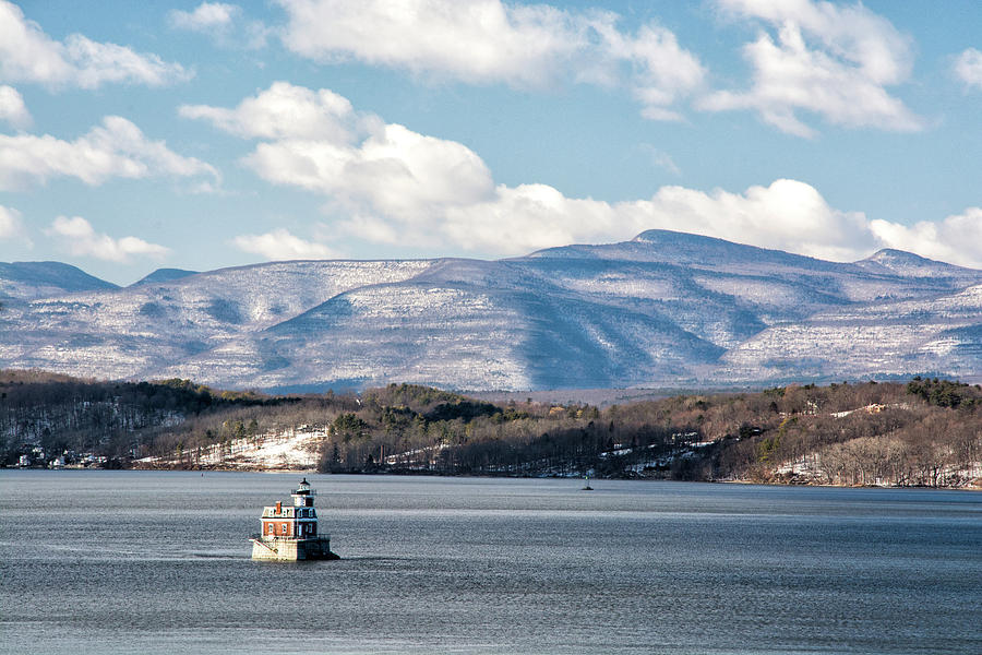 Hudson Photograph - Catskill Mountains With Lighthouse by Nancy De Flon