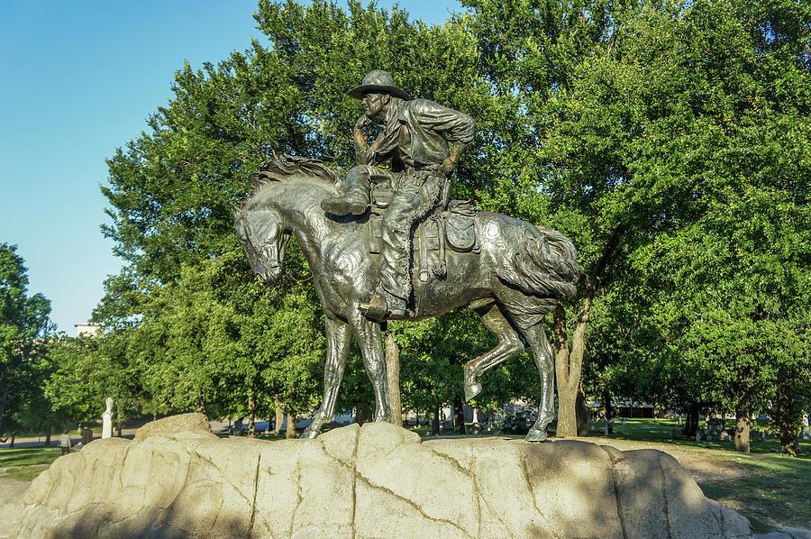 Dallas Photograph - Cattle Drive Sculpture, Pioneer Plaza, Dallas, Tx. by Art Spectrum