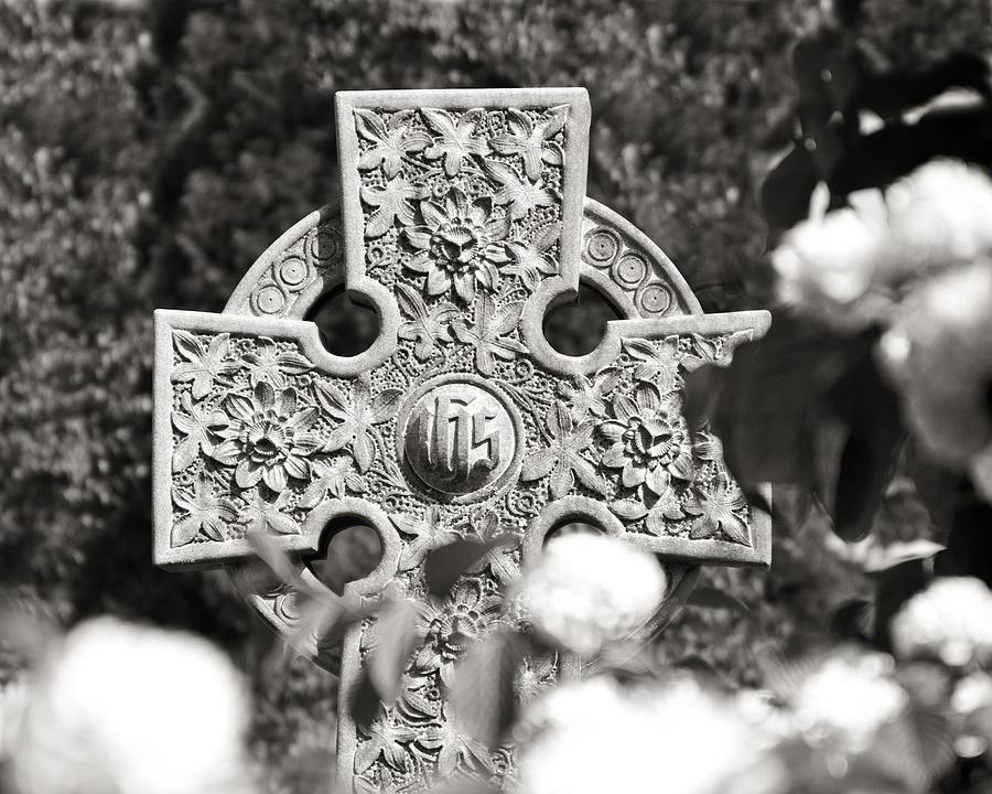 Celtic Cross Photograph - Celtic Cross I by Tom Mc Nemar