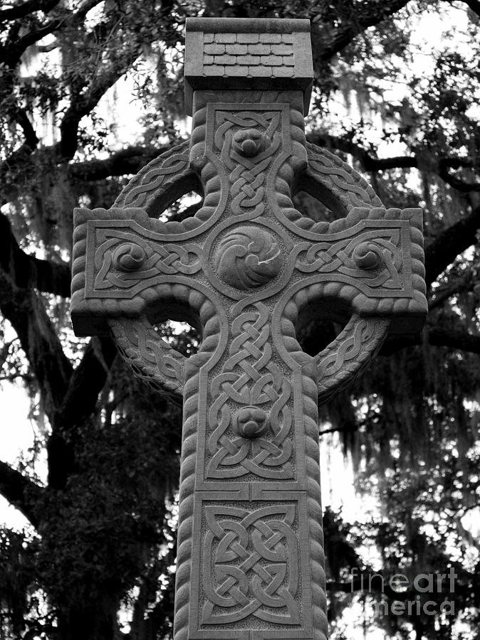 Savannah Photograph - Celtic Cross In Emmet Park by Carol Groenen
