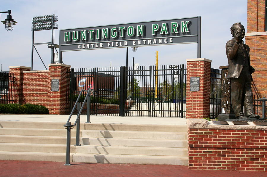 huntington park chatrooms Huntington park home of the columbus clippers baseball team, the defending 2010 and 2011 triple-a national champions, and the triple-a affiliate of the cleveland .