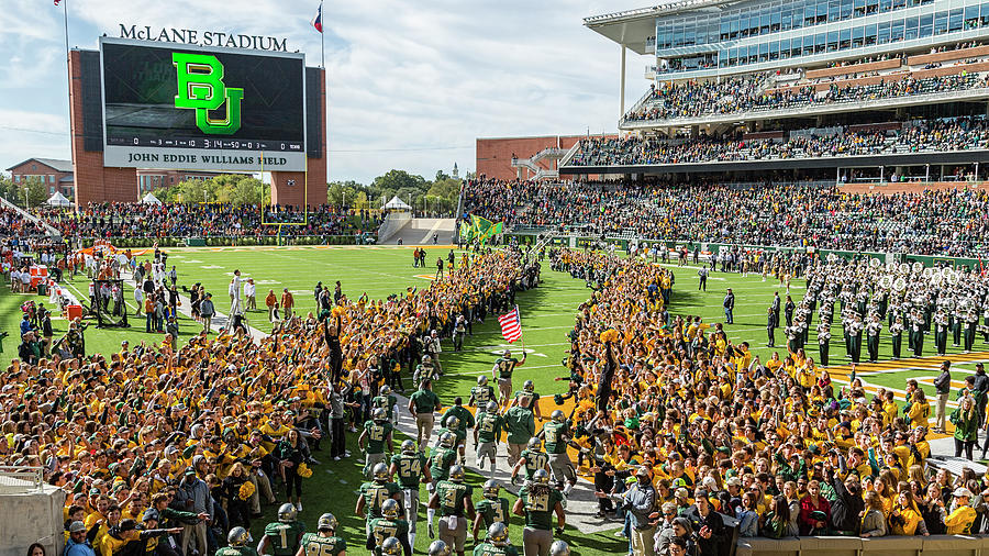 Baylor Line Photograph - Ceremonial Running Of The Baylor Line by Stephen Stookey